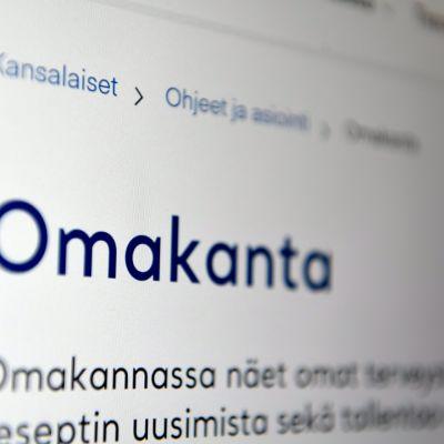 Puolet suomalaisista käyttää Omakanta-asiointipalvelua, jossa voi reseptien uusimisen lisäksi tarkastella omia terveystietojaan.