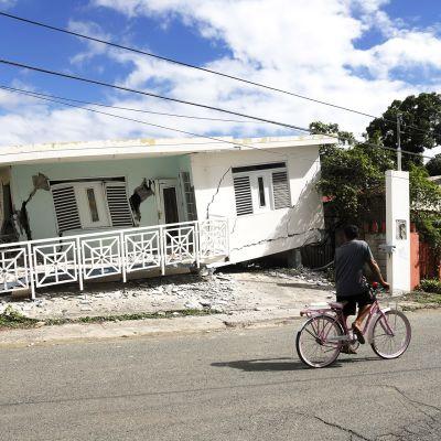 Maanjäristyksen tuhoja Guanicassa Puerto Ricossa.