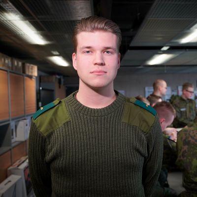 Edvin Ingman, Puolustusvoimat, Perjantaipuolustaja