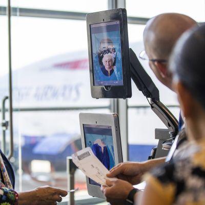 Kasvojentunnistusteknologiaa Dullesin lentokentällä Virginiassa vuonna 2018.