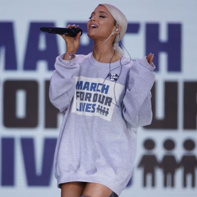 Ariana Grande esiintymässä March For Our Lives -konsertissa.