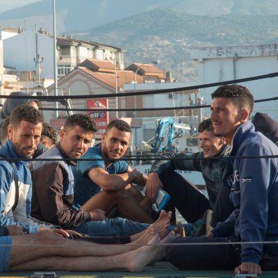 Pohjois-Afrikasta kotoisin olevia maahanmuuttajia