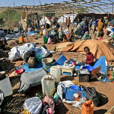 Etiopialaisia pakolaisia Um Raquban leirillä itäisessä Sudanissa.