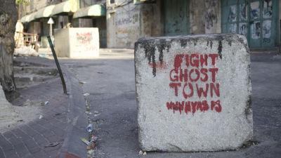 Shuhada Street i Hebron är stäng för palestinier och så gott som allt annat liv också