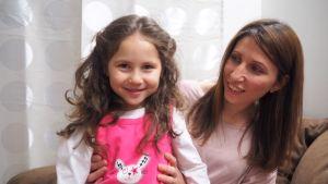 Syriska Lana ett år efter att hon kom till Finland