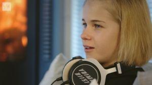 Kestävyysjuoksija Alisa Vainio esittelee voimabiisinsä.