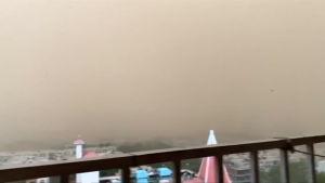 dammoln över Indien