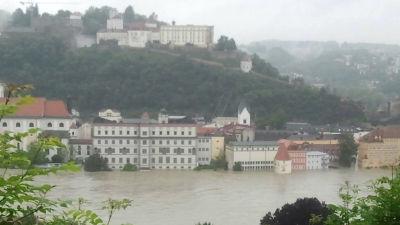Hus i centrum av Passau som står under vatten år 2013.