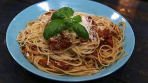 Tomatspaghetti med basilika