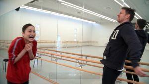 Mai Komori och Robban Nilsson prövar balett