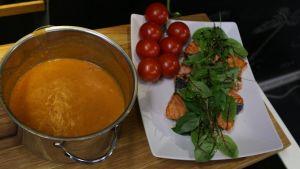 Niklas tomat-fisksoppa med curry.