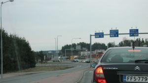 Trafik i S:t Karins