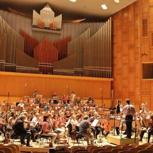RSOn Romanian radion orkesterin salissa