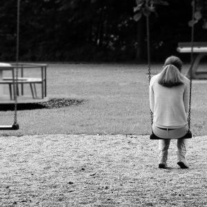 Ensam tjej