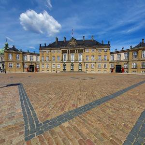 Tanska, Amalienborg, kuningasvisa