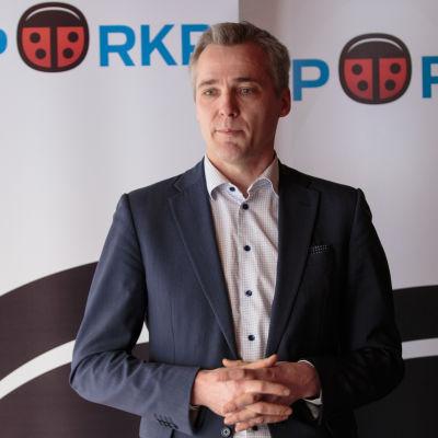Anders Adlercreutz meddelar att han ställer upp o SFP:s ordförandeval.