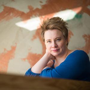 Toimittaja ja tietokirjailija Henna Mäkelin
