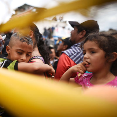Migranter från Honduras vid gränsen mellan Honduras och Mexiko 2018.