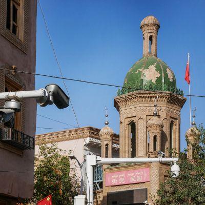 valvontakamera ja moskeija