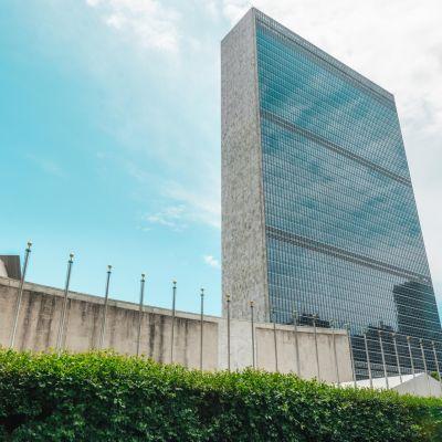 Yhdistyneiden kansakuntien päämaja New Yorkissa, Yhdysvalloissa.