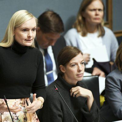 Sisäministeri Maria Ohisalo eduskunnan kyselytunnilla.