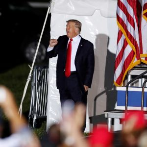 Donald Trump vid ett kampanjtillfälle i Wellington i Ohio.