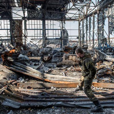 Donetskin lentokentän rakennus.