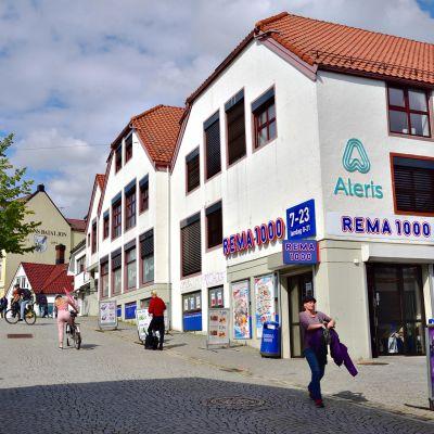 Rema-kauppaketjun liike Norjan Bergenissä.