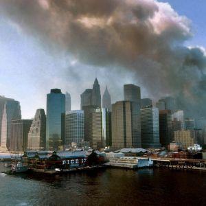Arkivbild av terrorattackerna i USA den 11 september 2001.