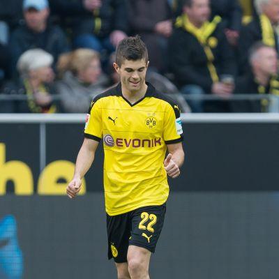 Dortmundin Christian Pulisic avasi maalitilin Bundesliigassa 17.4. 2016