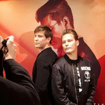 Antti Holma ja Jare Tiihonen Veljeni vartija-elokuvan ennakkonäytöksessä.