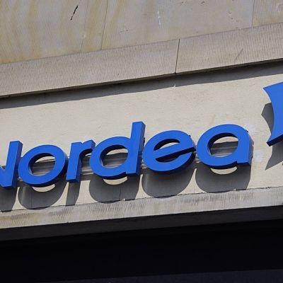 Nordean logo seinässä