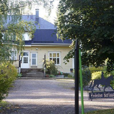 Erityislastensuojeluyksikkö Loikalan kartano Iitissä 22. elokuuta 2019.