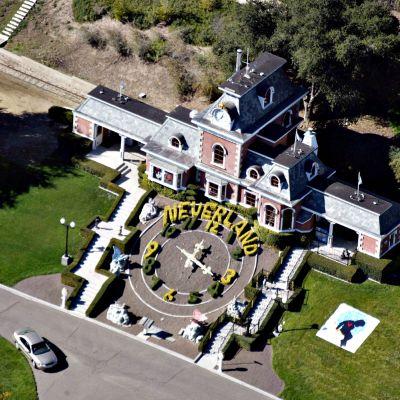 Michael Jacksonin Neverland-kiinteistö Santa Ynezissa vuonna 2003.