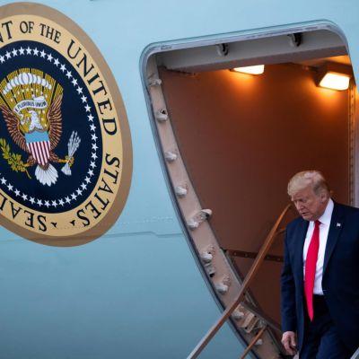 Yhdysvaltain presidentti Donald Trump saapui Miamiin republikaanien kokoukseen.