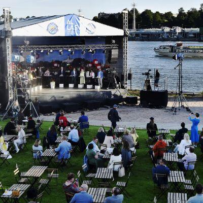 SuomiAreenan puheenjohtajatentti Allas sea poolilla Helsingissä 15. heinäkuuta 2020.
