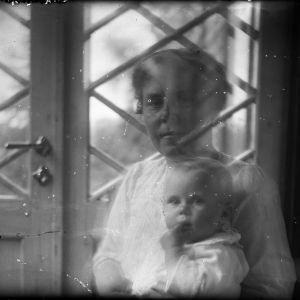 Kvinna med barn