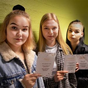 Sanni Turpeinen, Niina Saarinen ja Inari Salmelin.