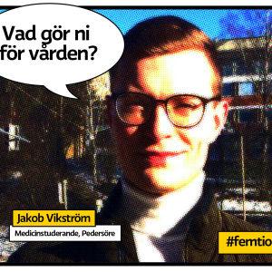 """Medicinstuderanden Jakob Vikström som serietidningsbild utomhus med pratbubbla och texten """"Vad gör ni för vården?"""""""