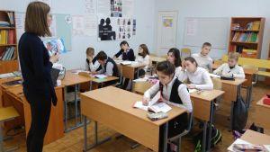 Lektion i finska för sjätteklassister i skola nr 204 i S:t Petersburg.