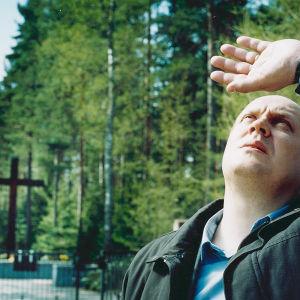 Kari Paljakan elokuva lapsensa menettäneen perheen ensimmäisestä suruvuodesta.