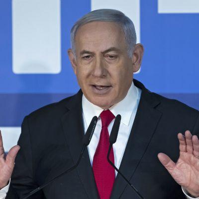 Israelin pääministeri Benjamin Netanjahu puhui toimittajille Jerusalemissa torstaina.