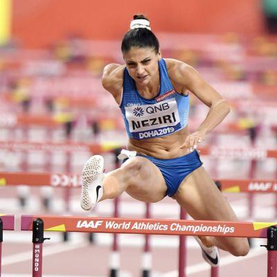 Nooralotta Neziri kilpailemassa Dohassa lauantaina.