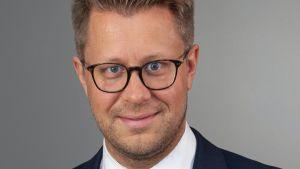 Porträtt på Kari Tikkinen.