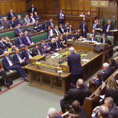 Labourledaren Jeremy Corbyn talar i det brittiska parlamentet den 14 mars 2019.