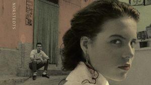 """Pärmbild till Elena Ferrantes roman """"Hennes nya namn""""."""