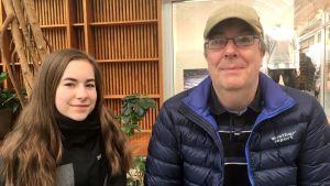 Pappa Ulf Ängsås och dottern Matilda från Falun tillbringar påsken i Vasa.
