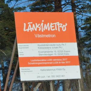 Byggarbetsplatsen för den kommande metrostationen i Stensvik.