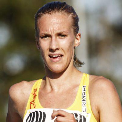 Camilla Richardsson springer i Esbo 2020.
