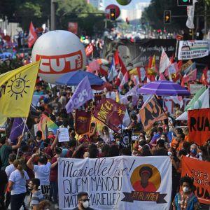 Mielensosoittajat vastustivat Jair Bolsonaron hallintoa Rio de Janeirossa Brasiliassa.